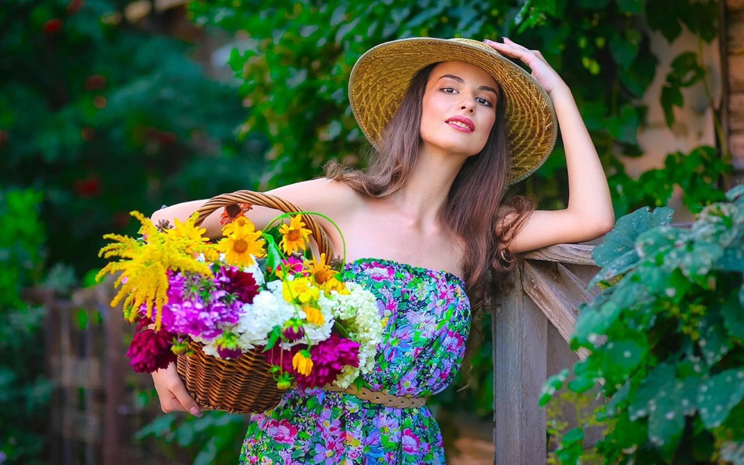 Beautiful Smile Wallpaper 68 Images: What Flowers Are Better To Give As A Gift To A Young Girl