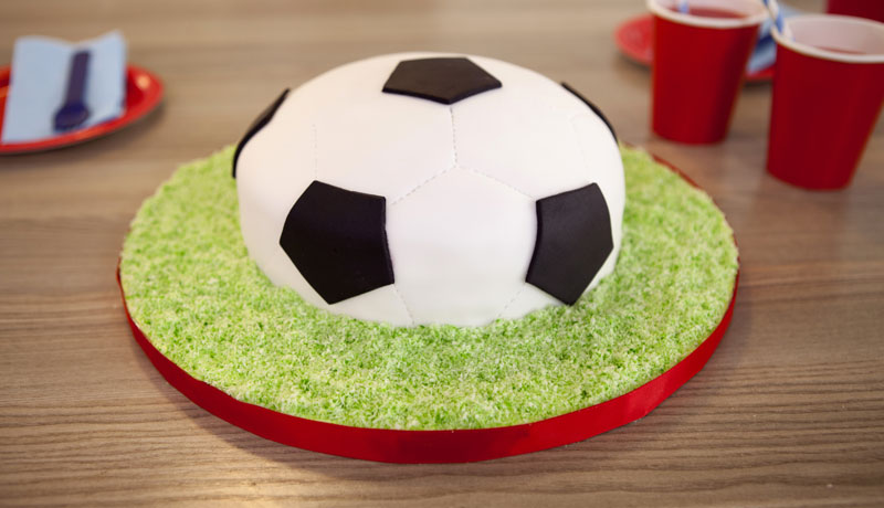 What Can Be The Best Birthday Gifts For A Football Crazy Boyfriend