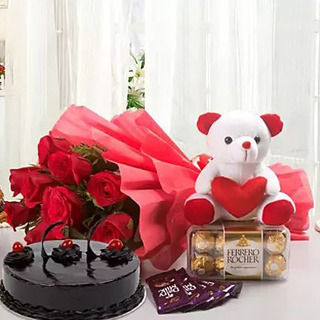 Valentine Love Combo With Chocolate Cake