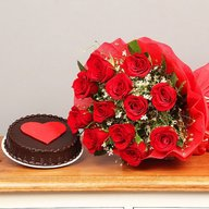 Delicious Heart Cake with Red Roses Combo