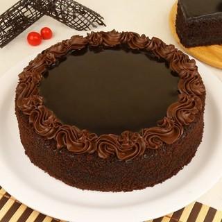 Delicious Chocolate Truffle Cake
