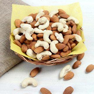 Almonds & Cashew Nuts