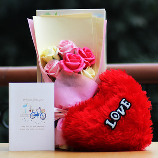 Aromatic Roses Bouquet with Heart Cushion