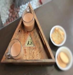 Triangle Dhokra Art Tray