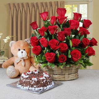 Roses Basket , Cake & Teddy Bear
