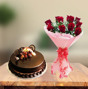 Rich Chocolate Cake & Red Roses