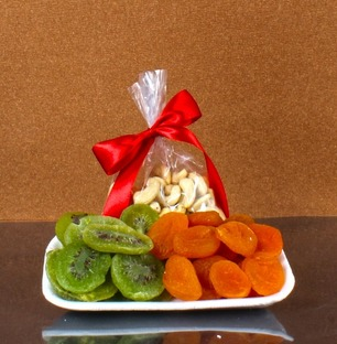 Dry Kiwi with Aprikot and Cashew Nuts