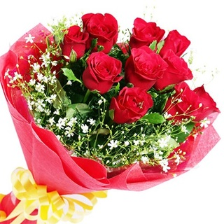 Valentine  12 Red Roses Bunch