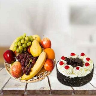 Fresh Fruits with Cake