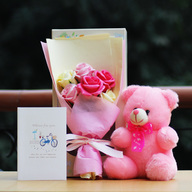 Aromatic Roses Bouquet with Pink Teddy