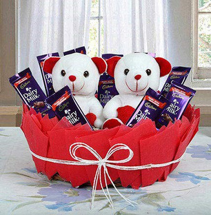 Send Cuddly Yummy Basket Online in India at Indiagift.in