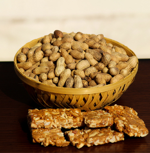 Roasted Shell Peanuts with Gachak