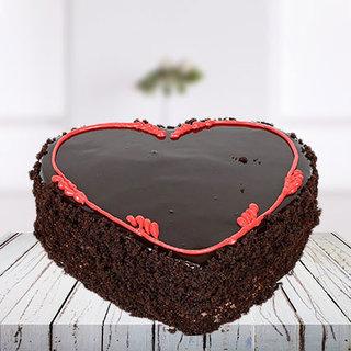 Choco Chips Heart Cake