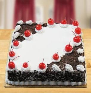 Valentine Square Black Forest Cake