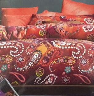 Maroon Printed Warm Bedsheet