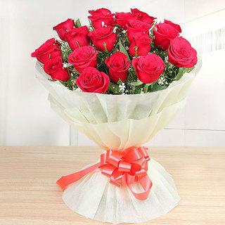 Valentine 12 Premium Red Roses Bunch