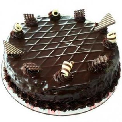 Valentine Exclusive Choco Garnish Cake
