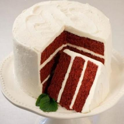 Valentine Red Velvet Cake