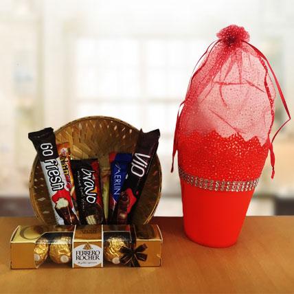 Yummy Imported Chocolate Bucket Premium