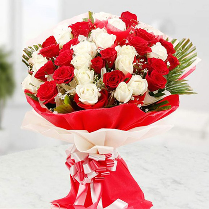 Red and White Roses Bouquet Large