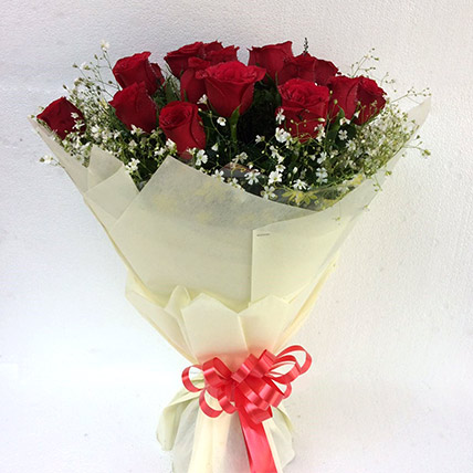 Valentine 18 Graceful Red Roses Bunch