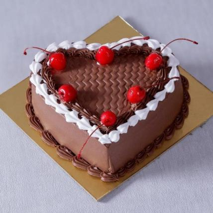 Fresh Heart Shape Chocolate Cake