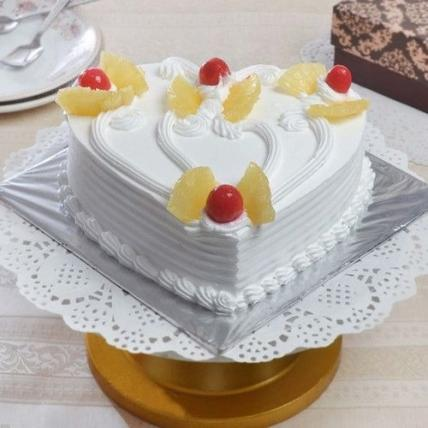 Heart Shape Pineapple Cream Cake
