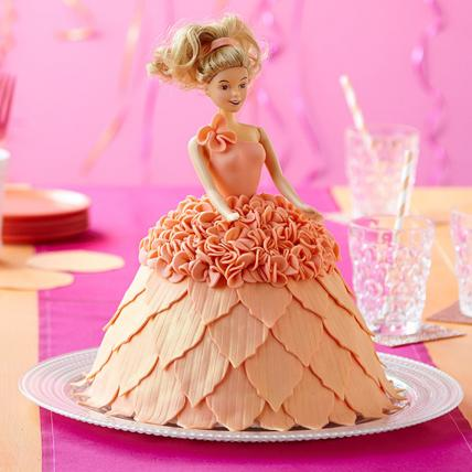 Ultra Style Queen Barbie Cake