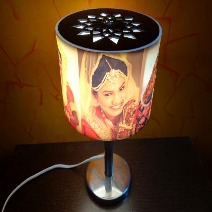 Circlet Rotating Lamp