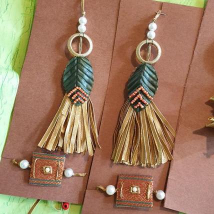 Handmade Leaf Tassle Set
